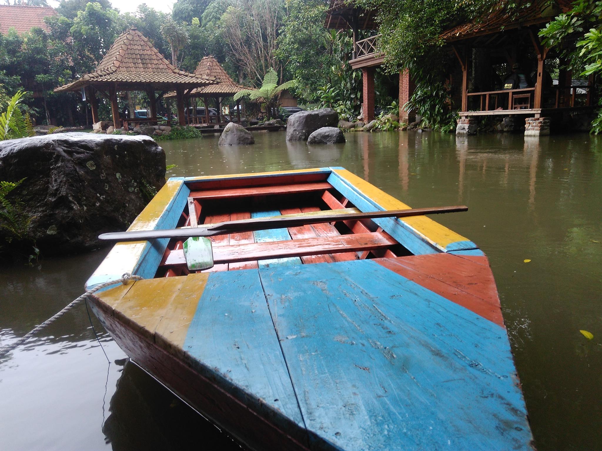 Perahu kecil by silasagus