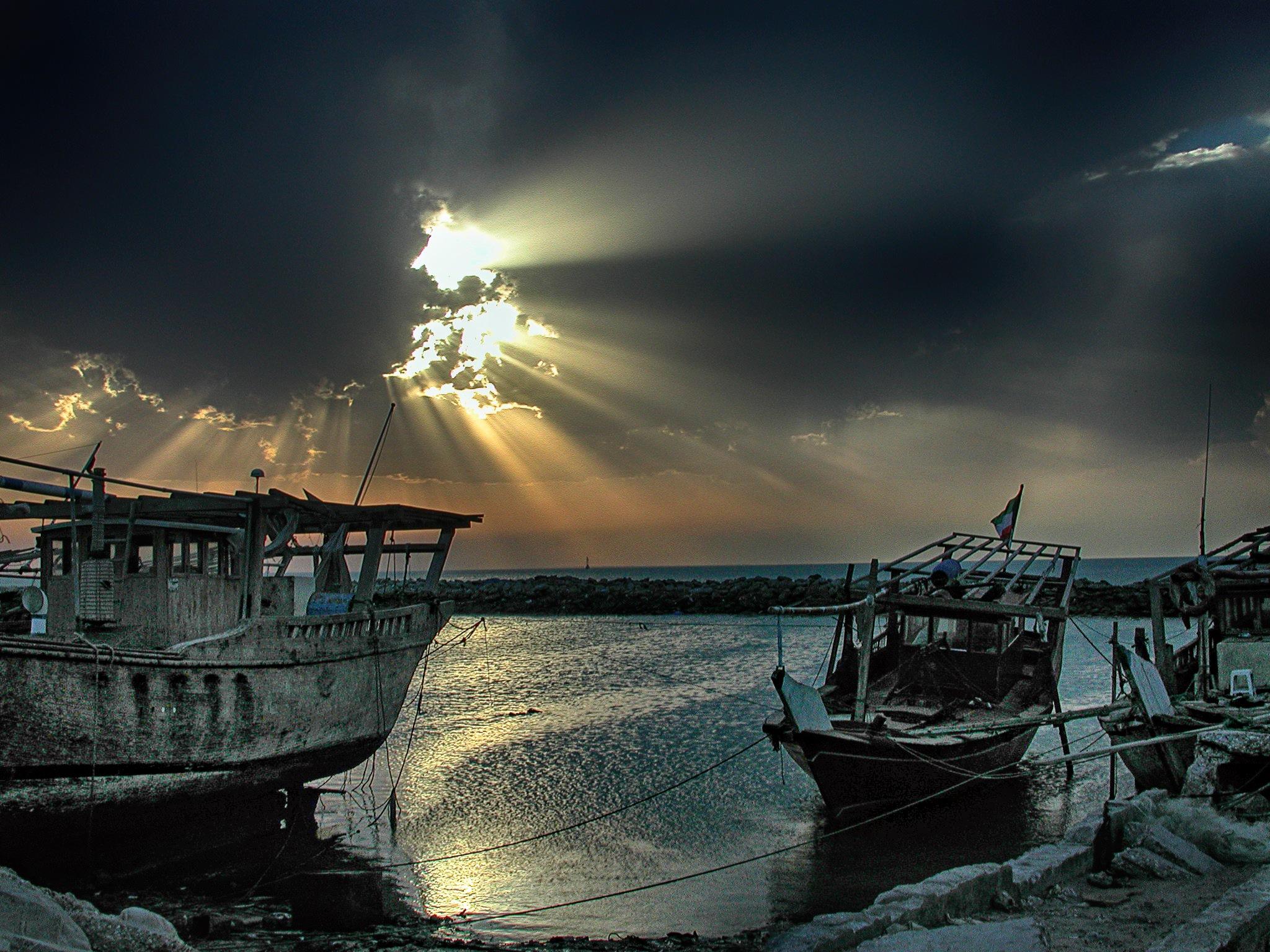 Escaping light by Hisham Badran