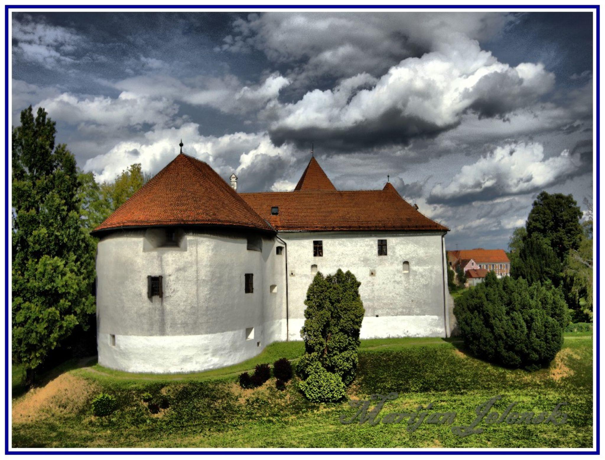 Stari grad Varaždin - The old town of Varazdin by Marijan Jelenski