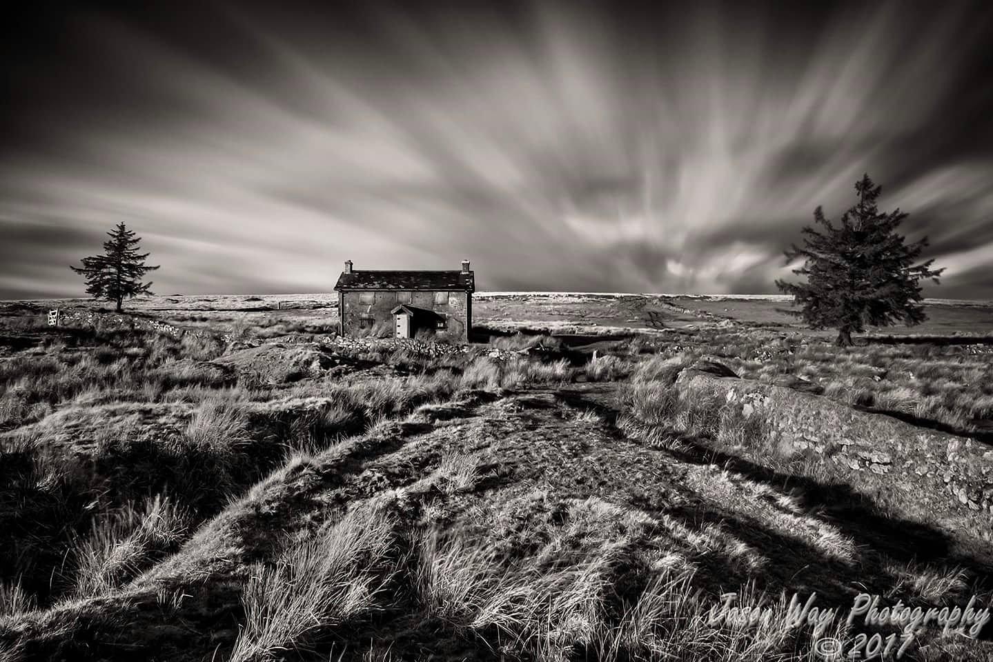 Nun,s cross farm by Jason Way