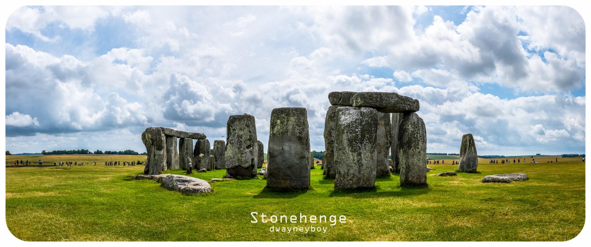 Stonehenge by Dwayne Ng