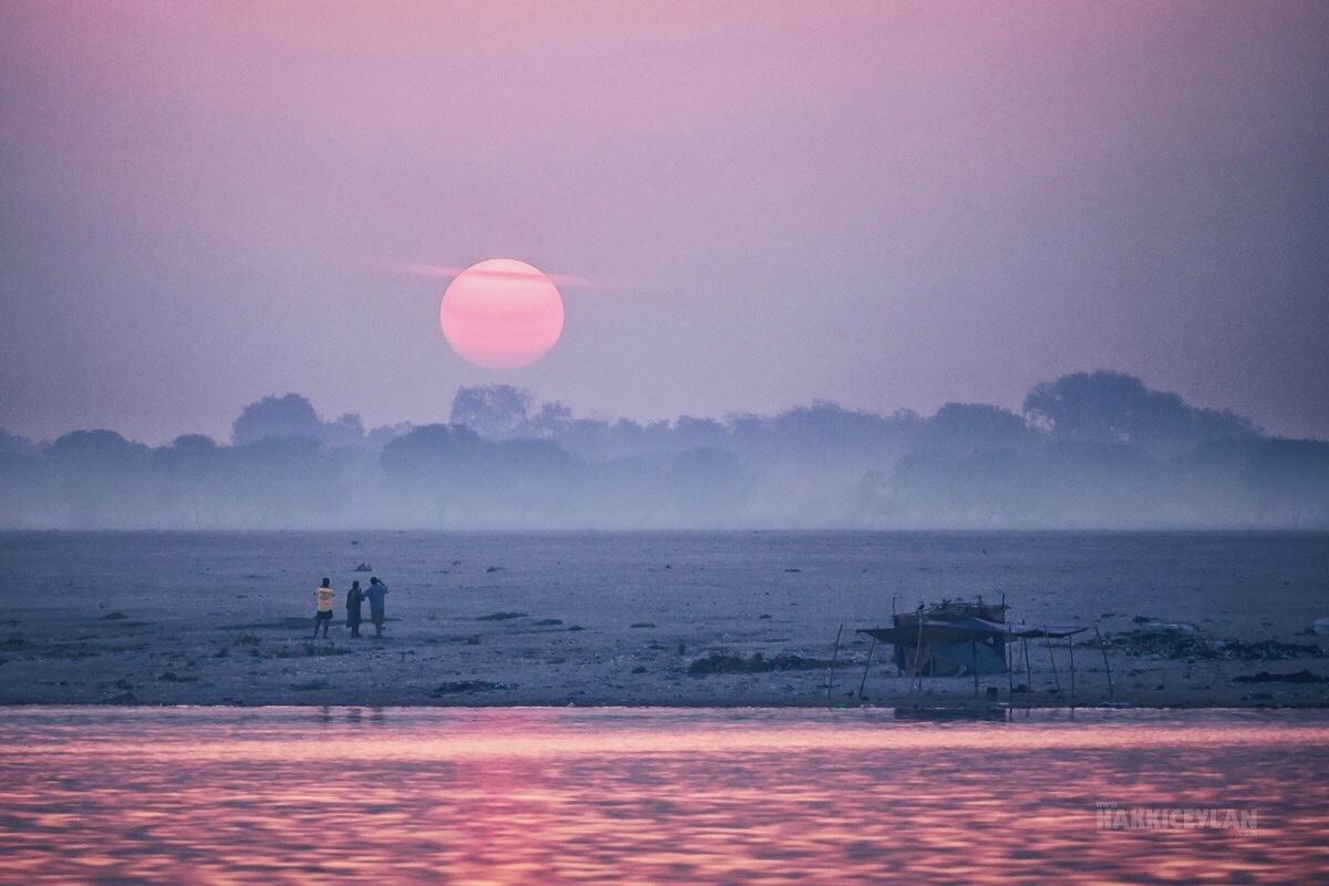 Sunrise from Varanasi by HAKKI CEYLAN