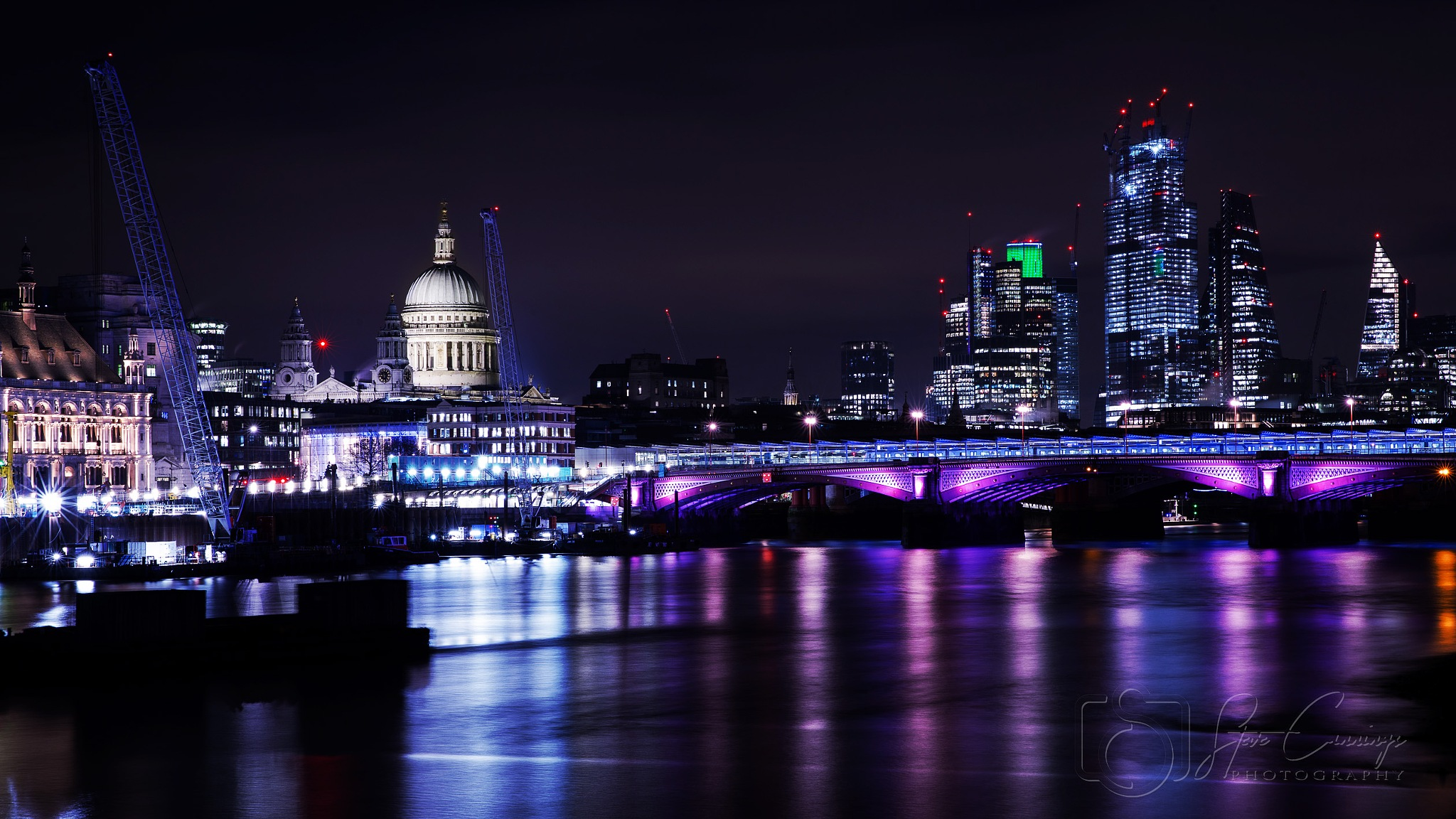 London City by Steve Cannings
