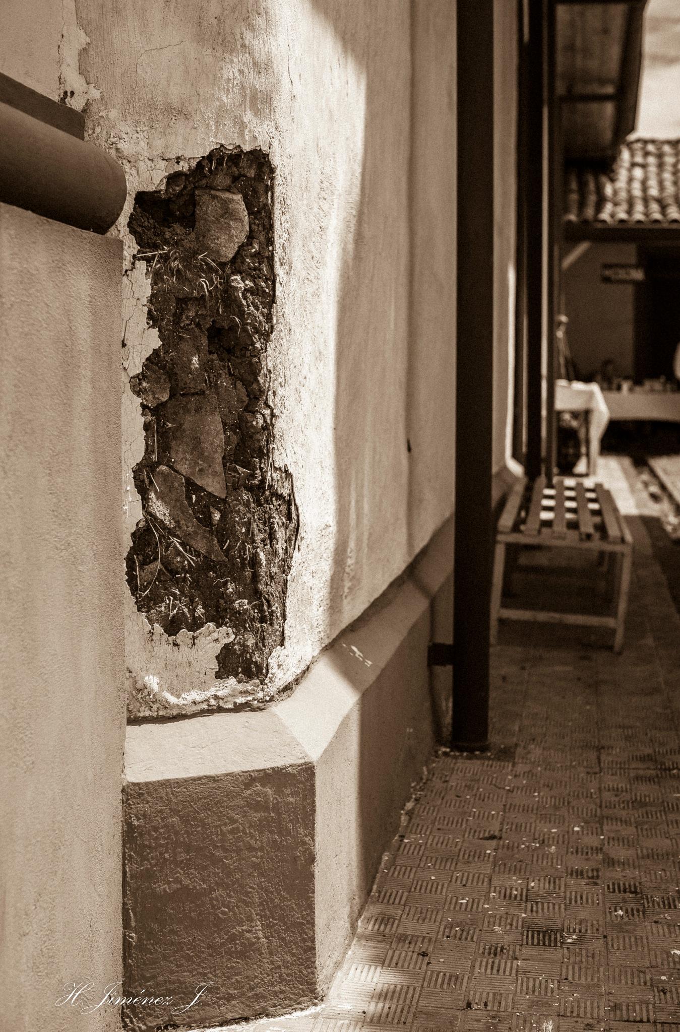 La esquina rota. by Henry Jiménez J