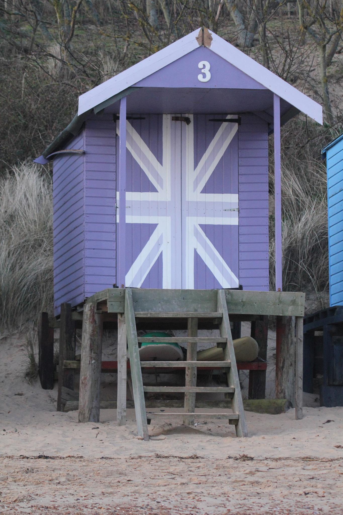 Beach hut by Lsb23