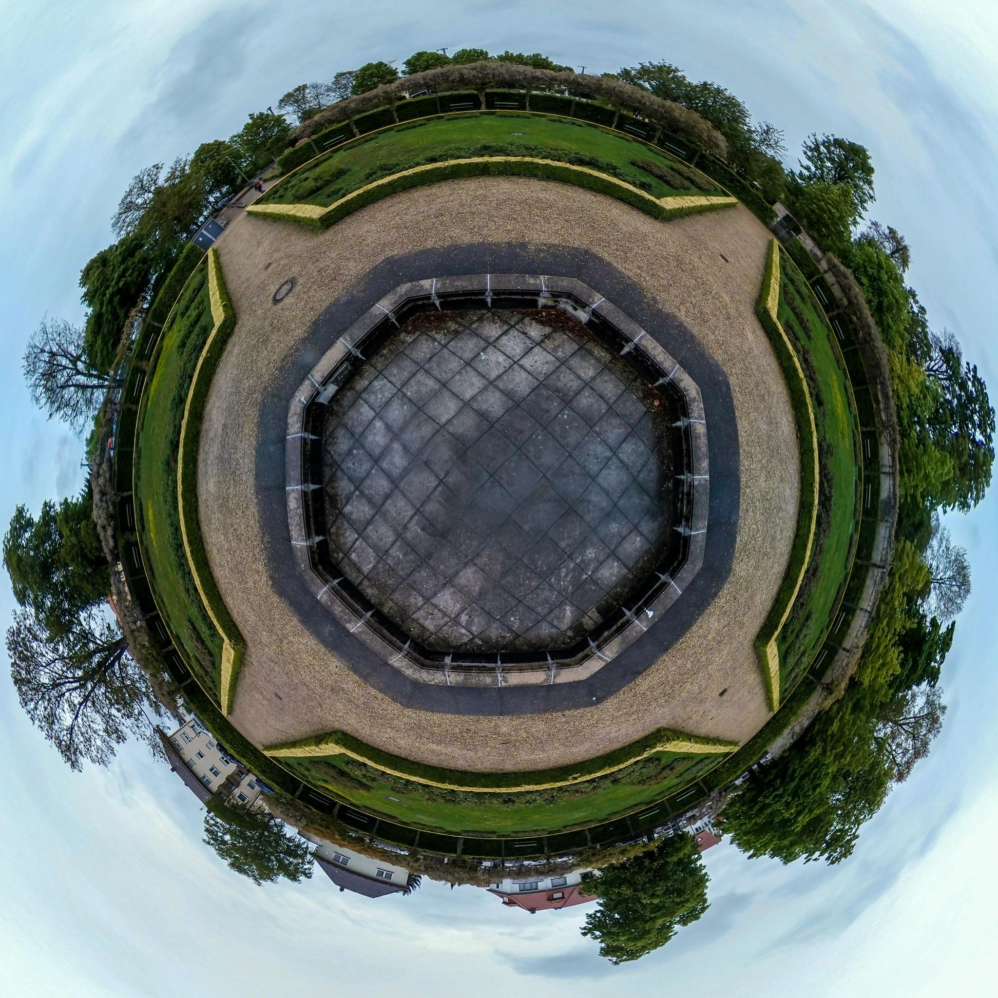 Palace garden by Peter Blaha