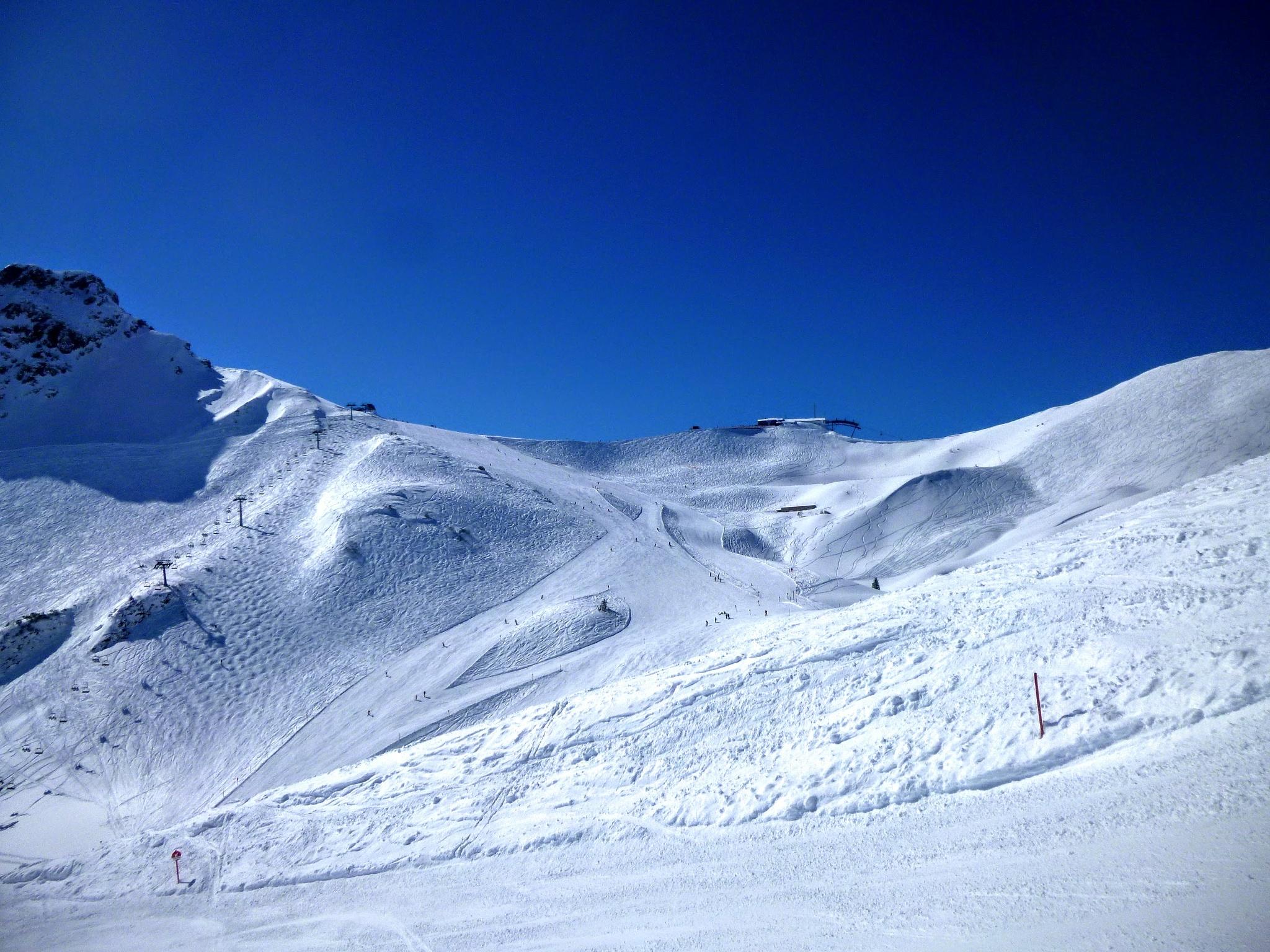 Skiing at Kanzelwand Kleinwalsertal Vorarlberg by Pension Gatterhof Kleinwalsertal