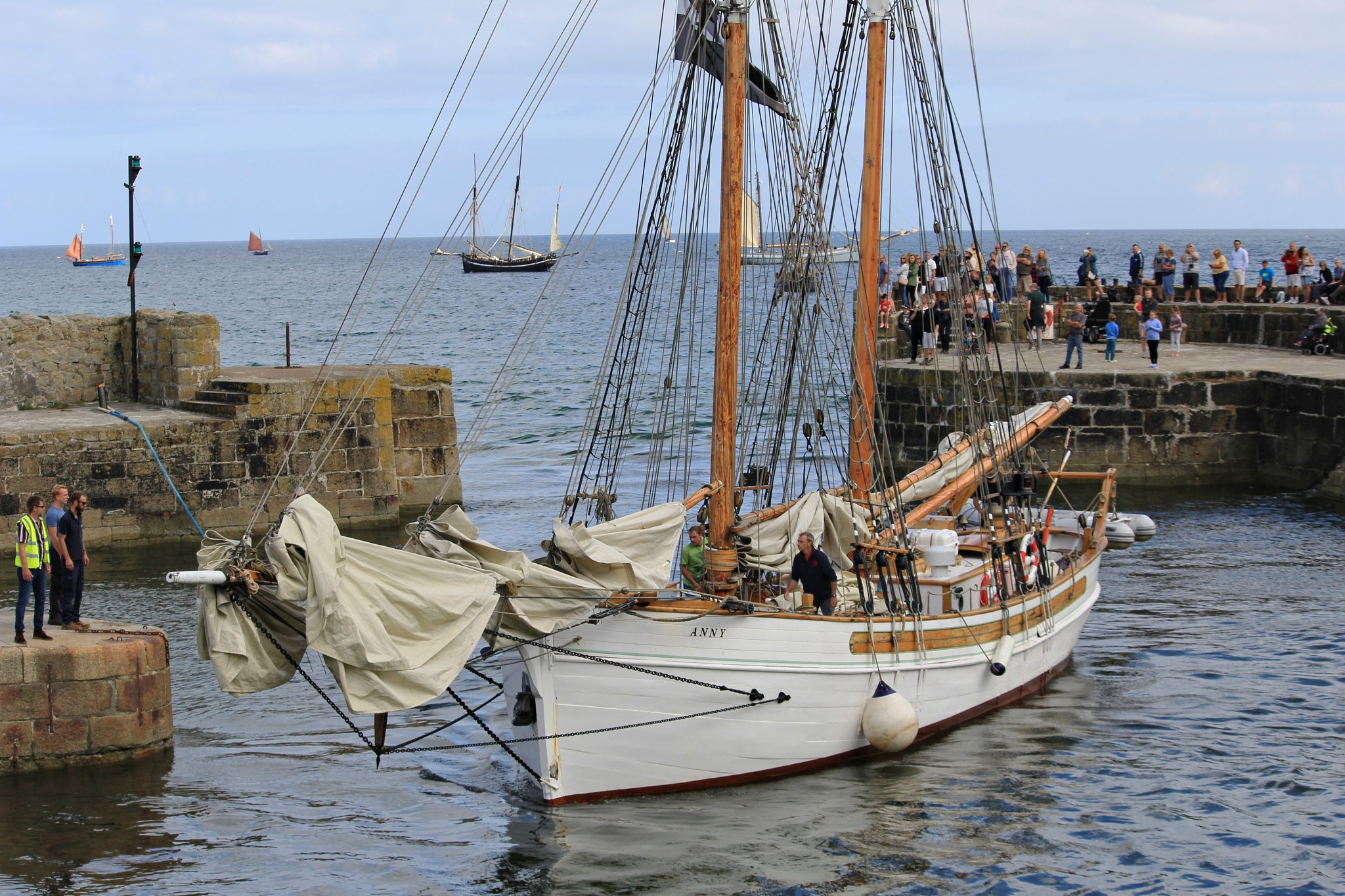 annie arriving at Charlestown by Paul Gast