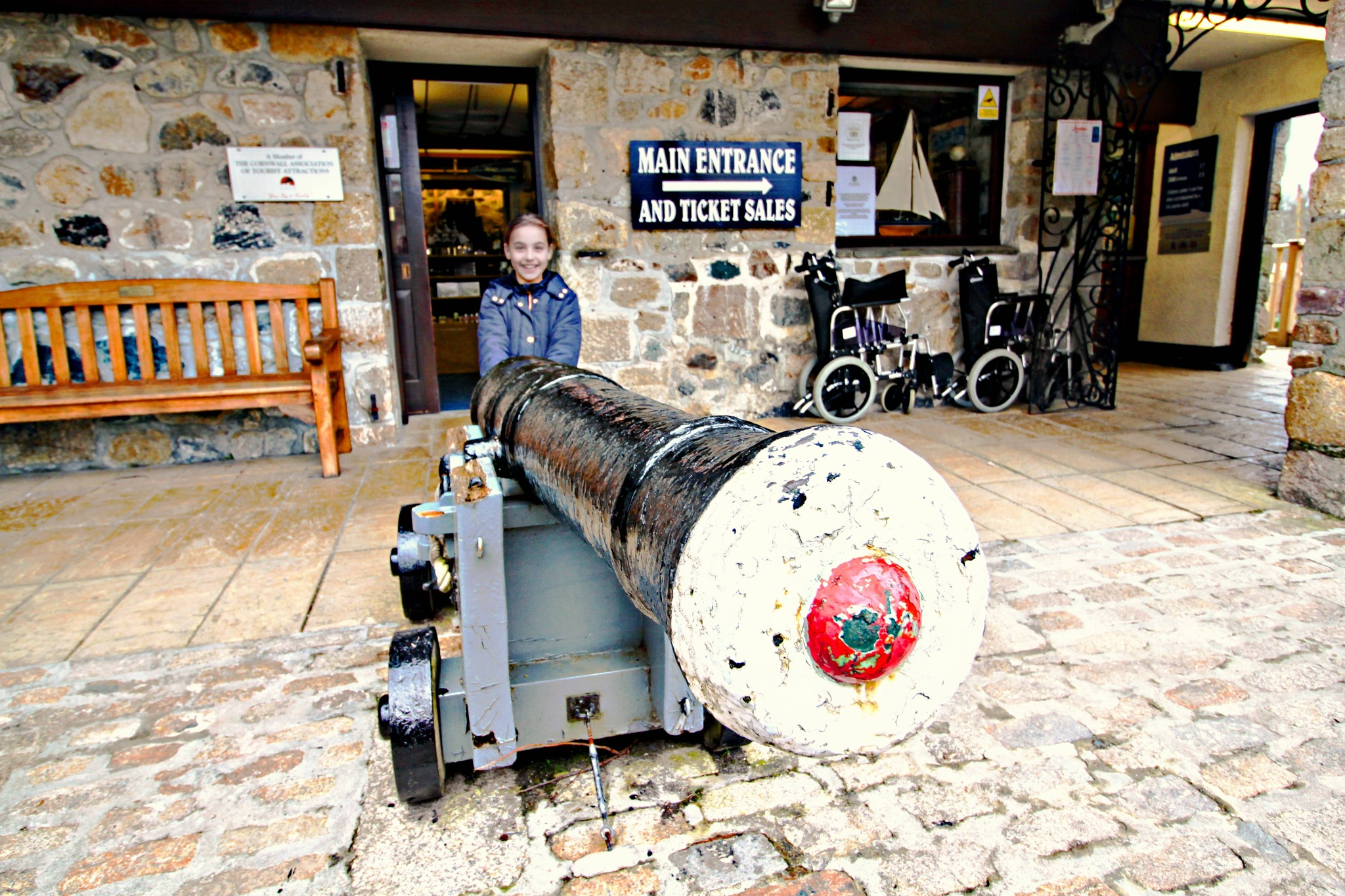 big gun ! by Paul Gast