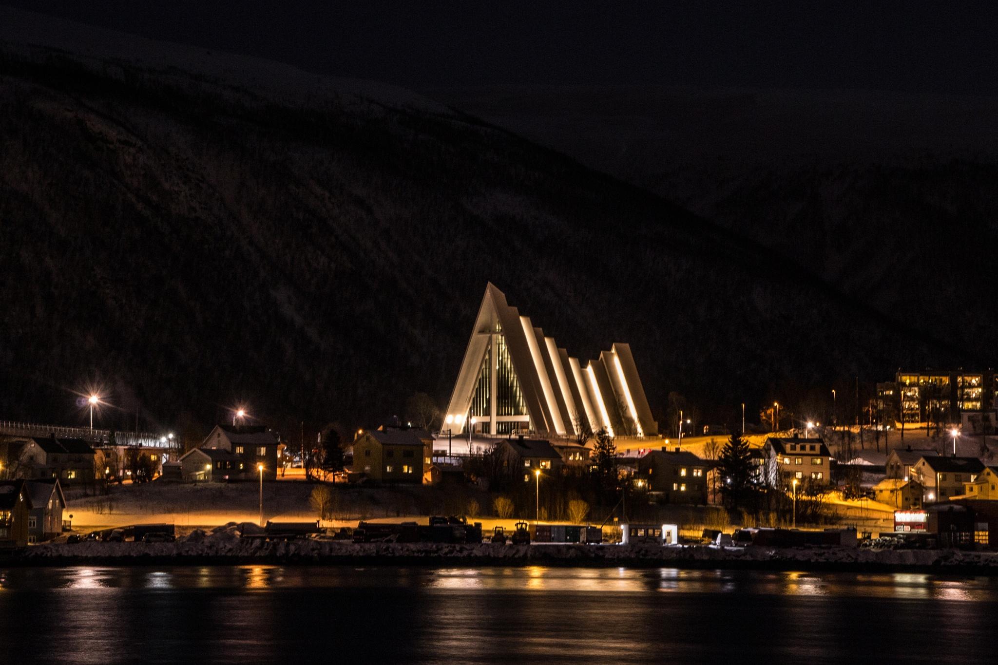 Ishavskatedralen by SveinBorre