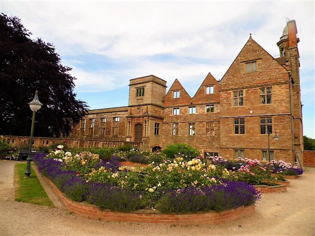 Rufford Abbey in summer (2) by Sandra Wright