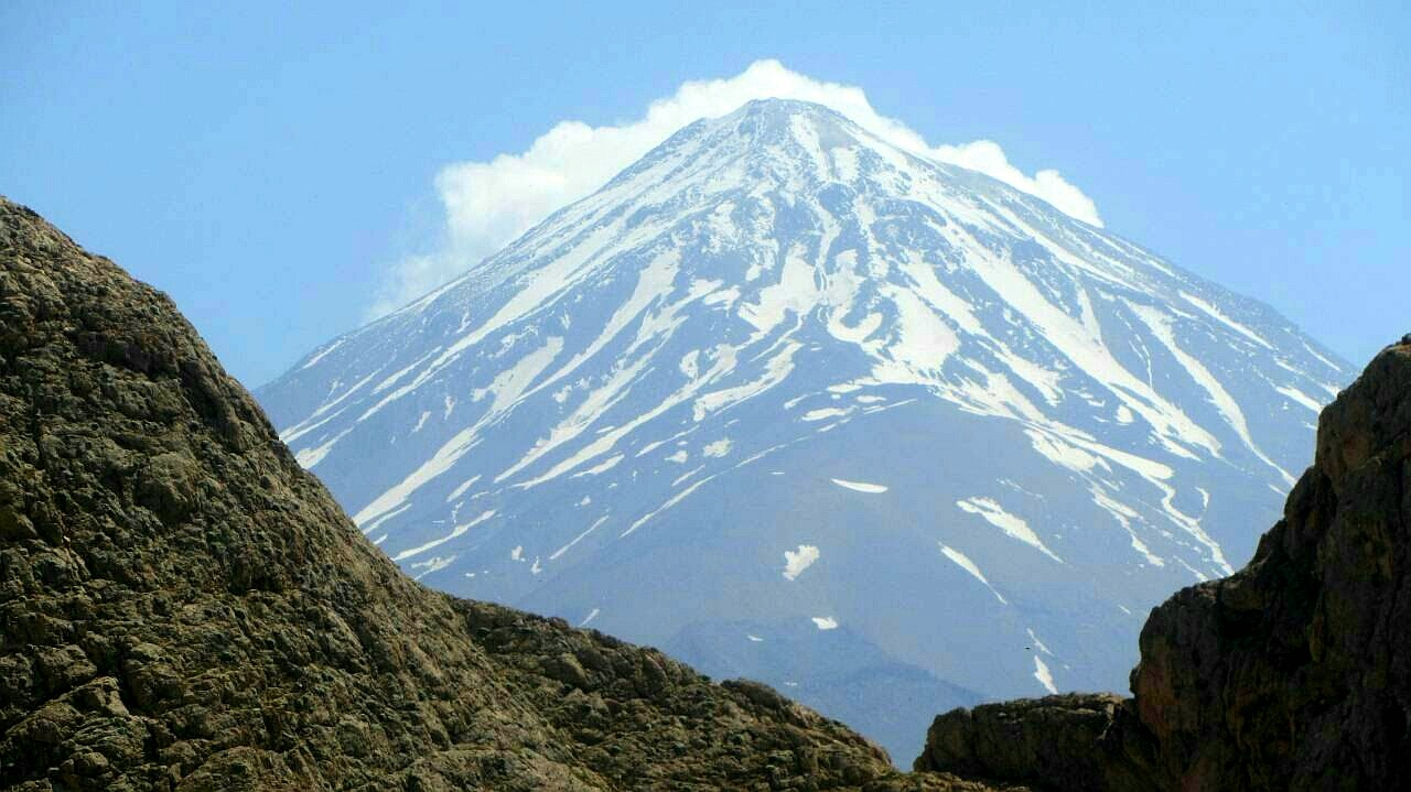 Damavand Mountain! 5671m from other look!  by amirsaeed