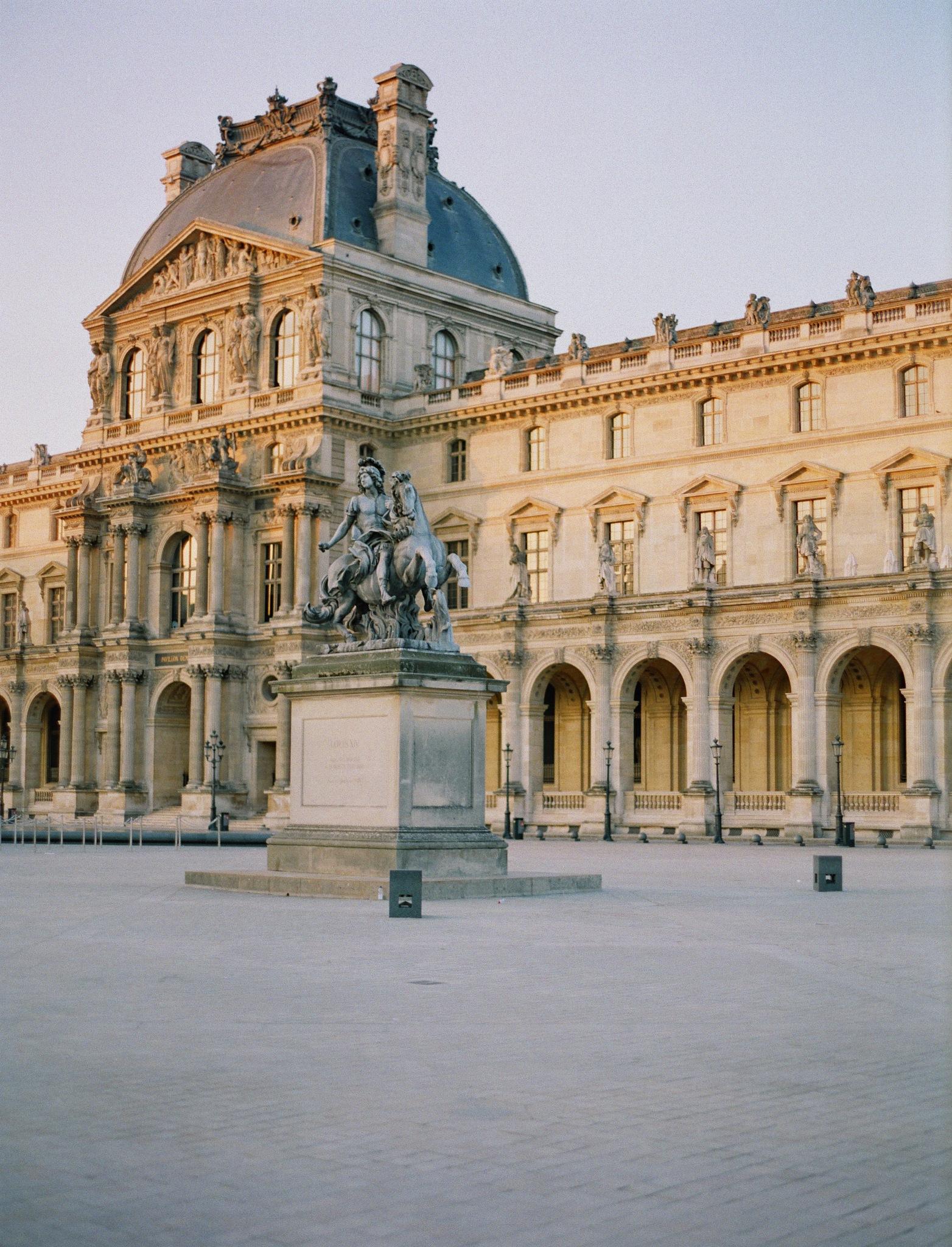 Louvre Museum  by wyemji