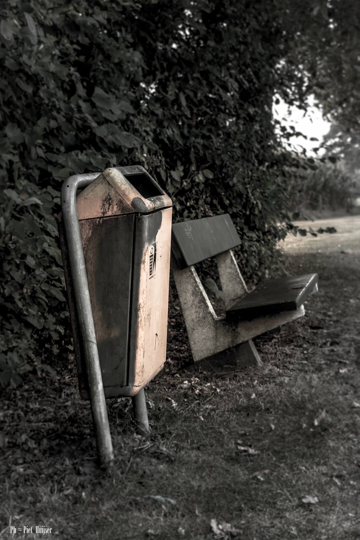 enjoy nature, but clean out your waste on by Piet Huijser