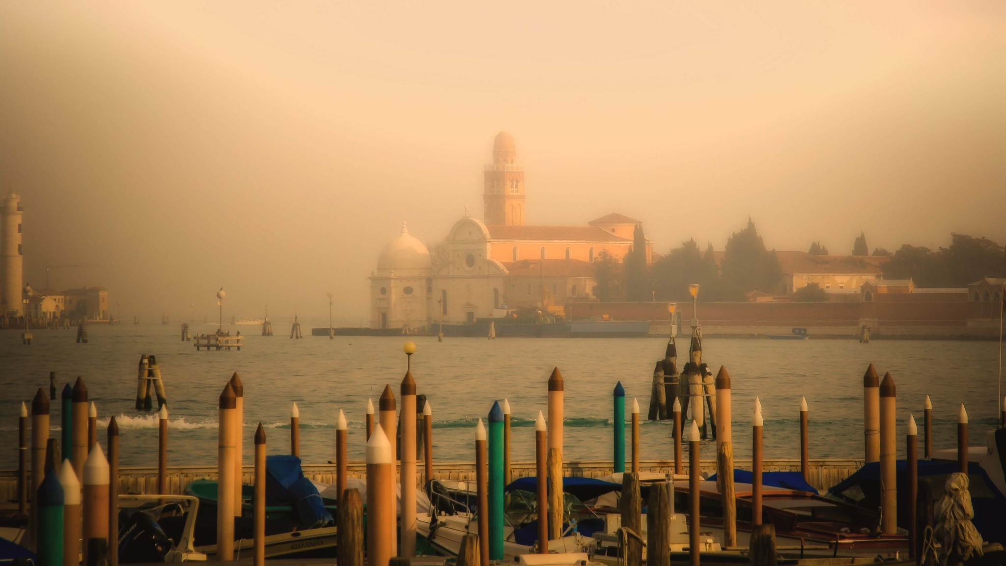 Venice in the mist. by billymcwilliams