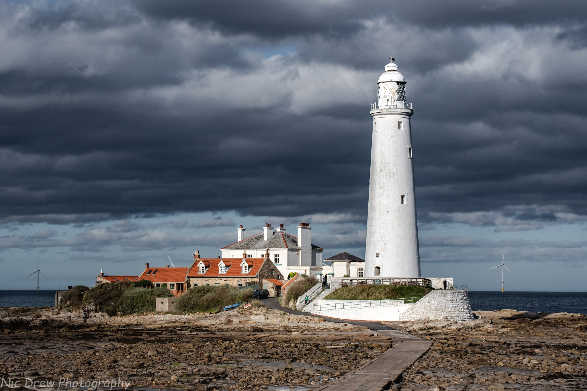 St Mary's lighthouse by Nic Drew