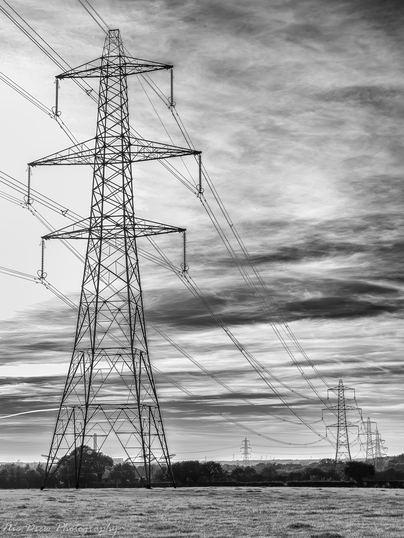 Pylons  b&w by Nic Drew