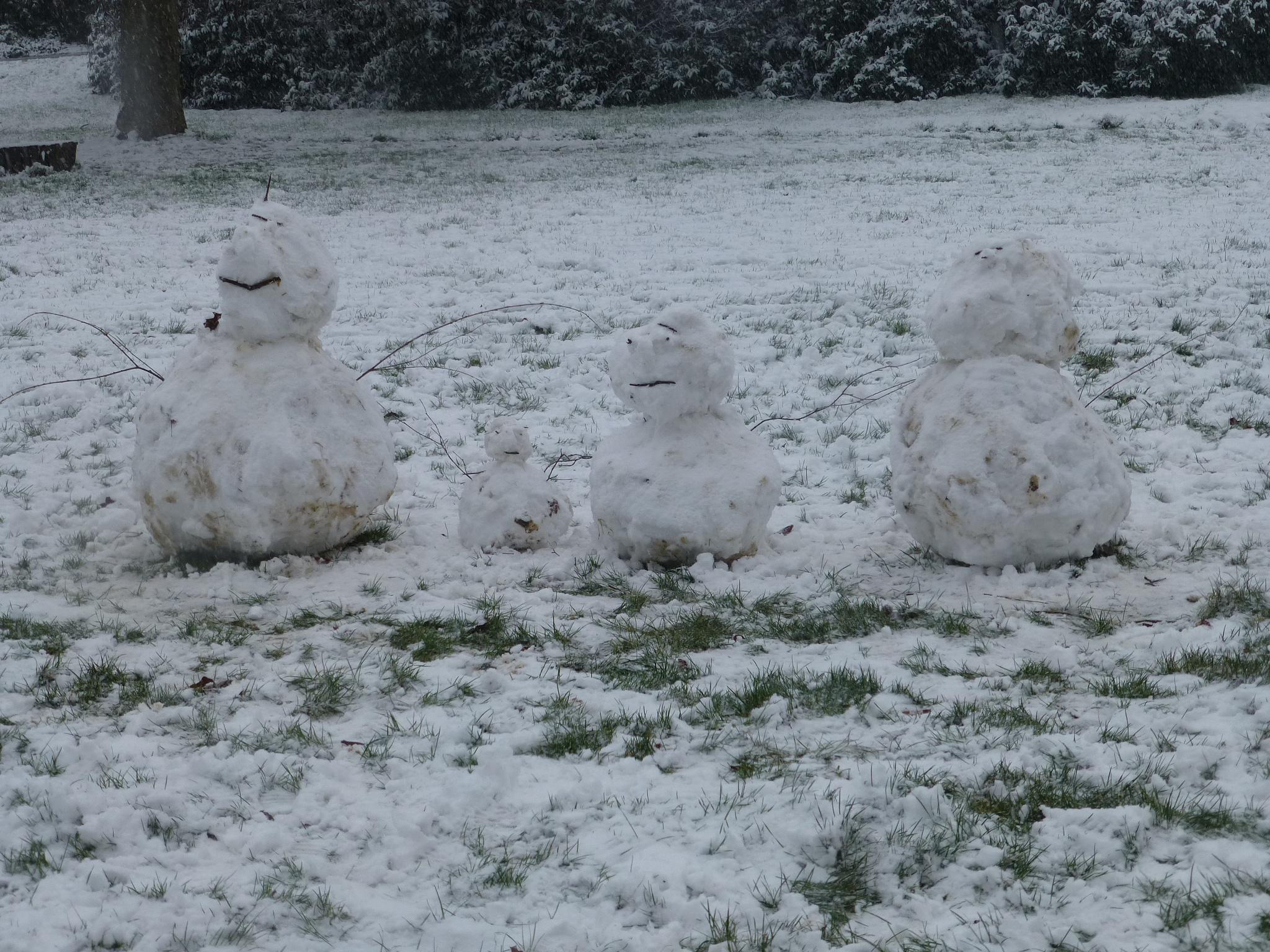 Snow men or snow family by Mo Dessouki