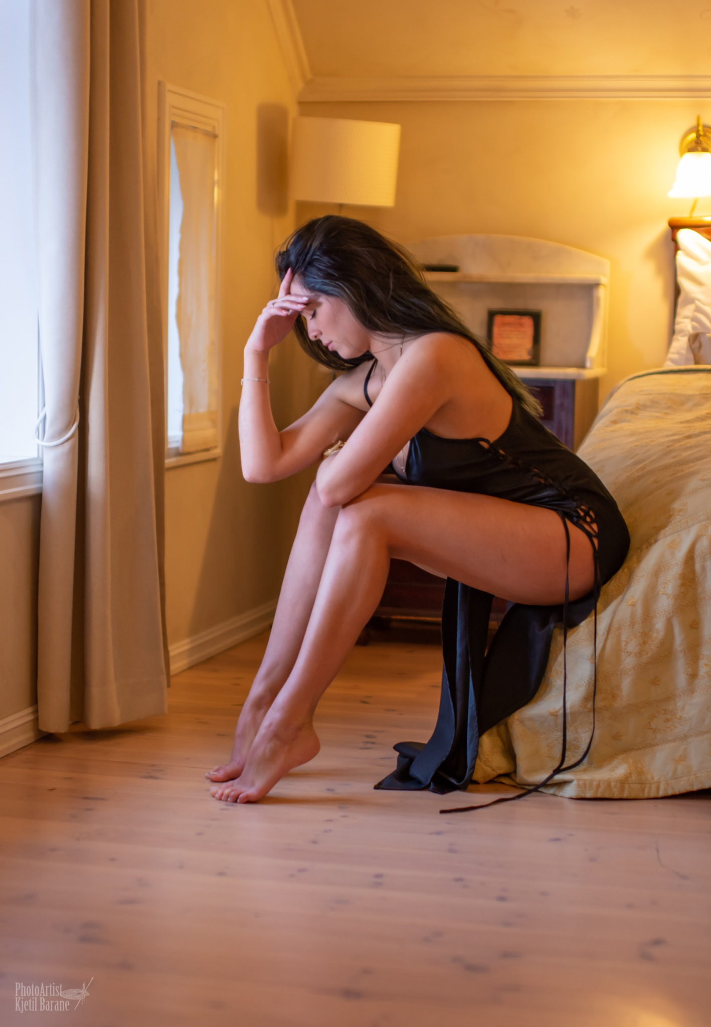 Lonely in hotelroom by Kjetil Barane