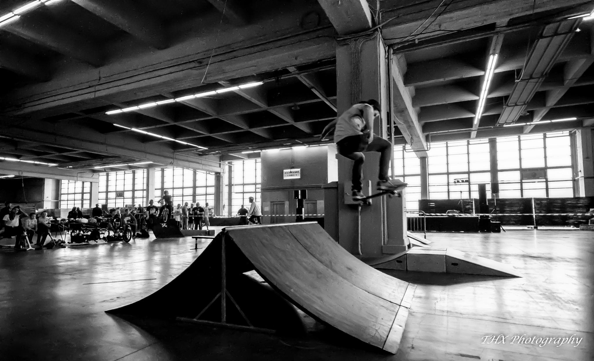Skateboarding by Yves Teyssier