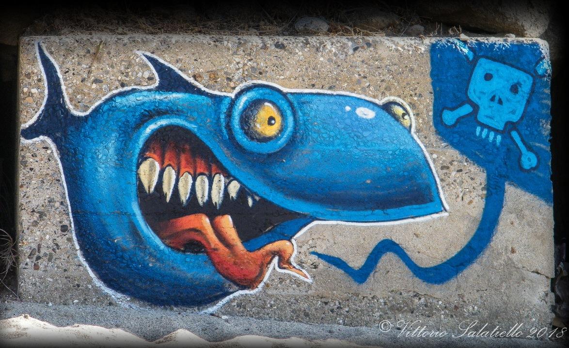 Funny murals at the beach by Vittorio Salatiello