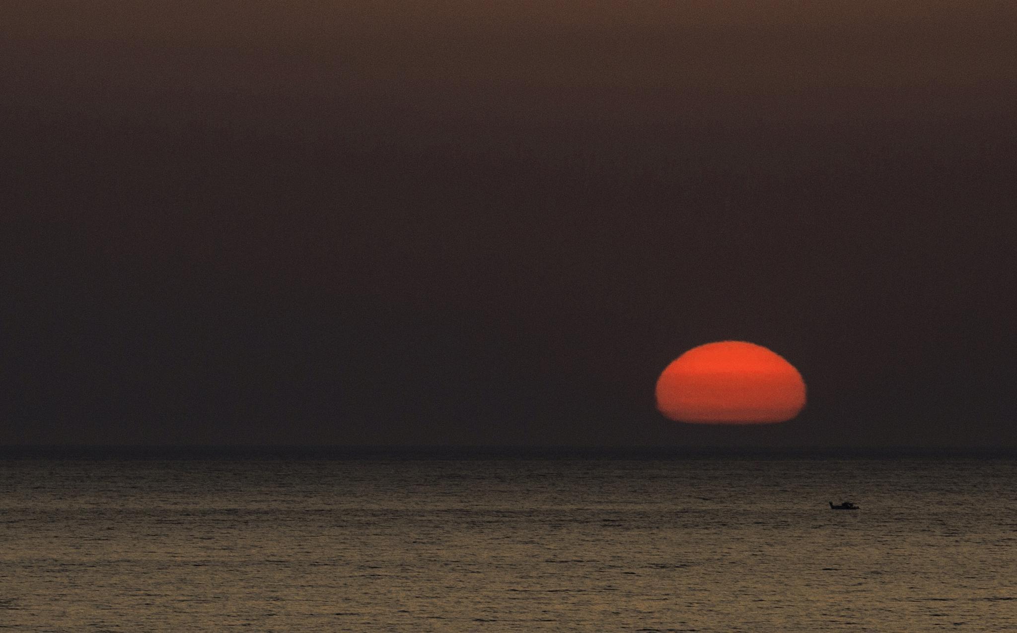 Sun is down by TurcMarius