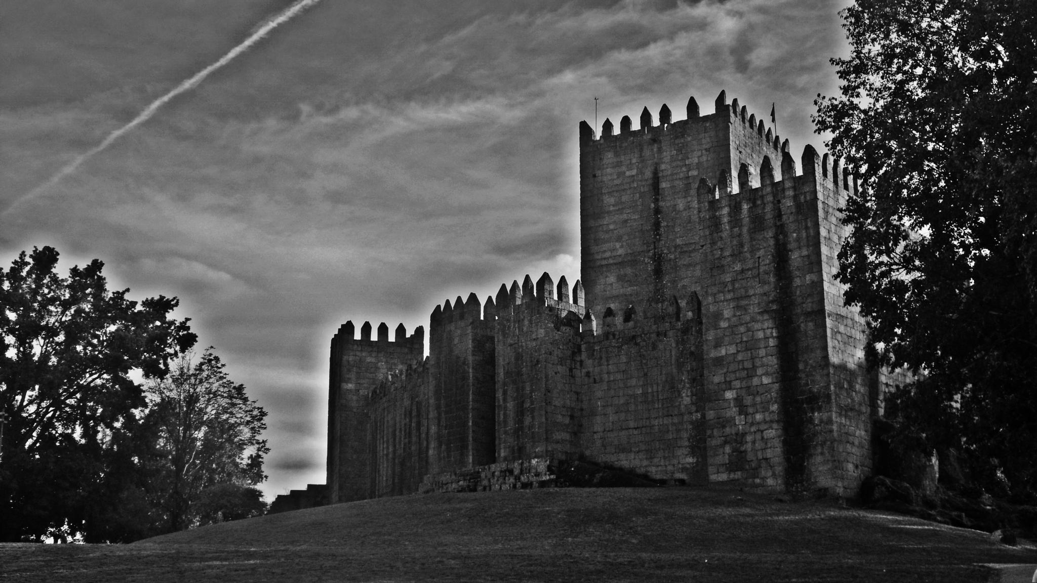 Guimarães by Pedro Panarra