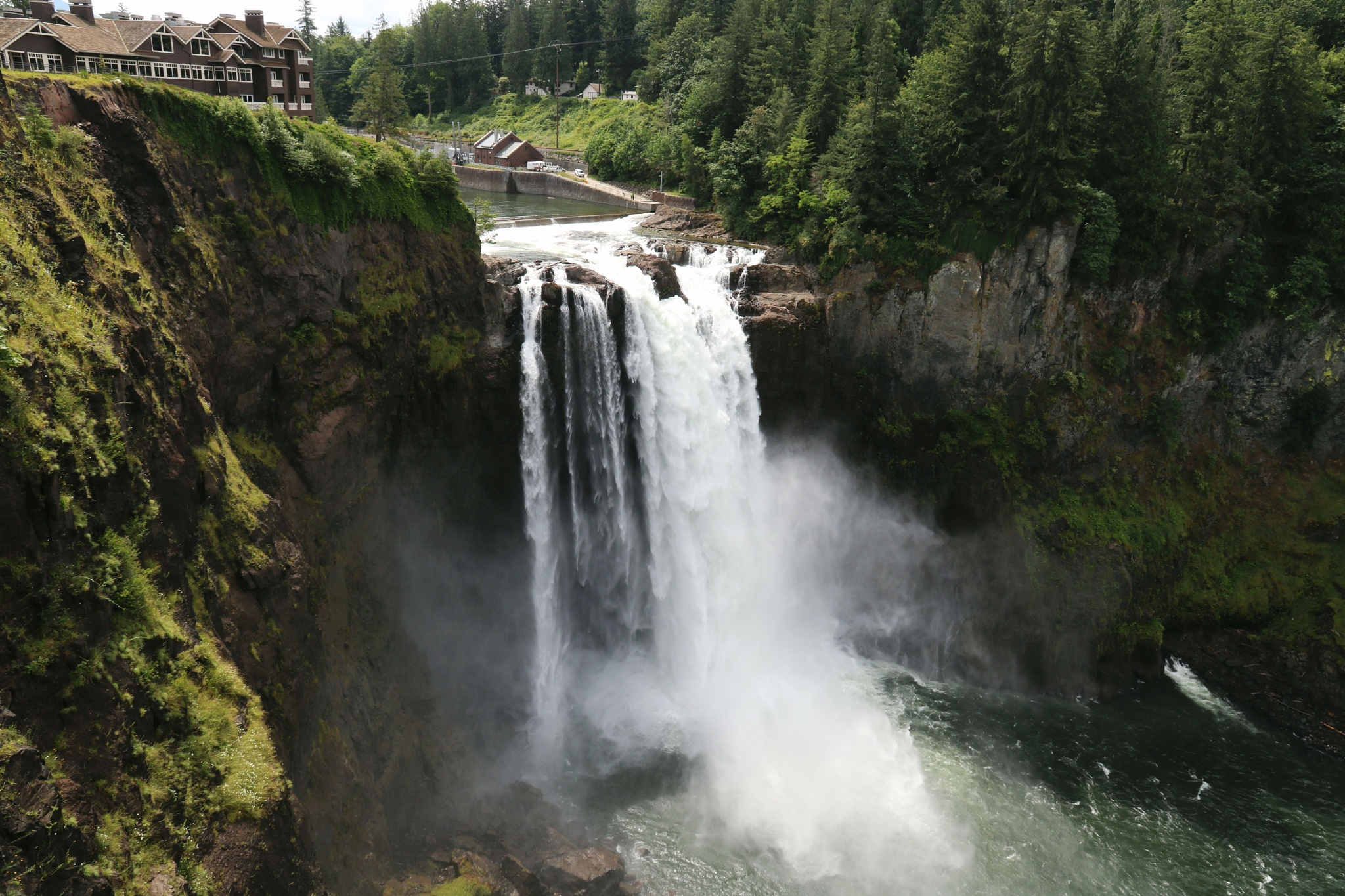 Snoqualmie Falls, Washington State by Jean-Marc Mont