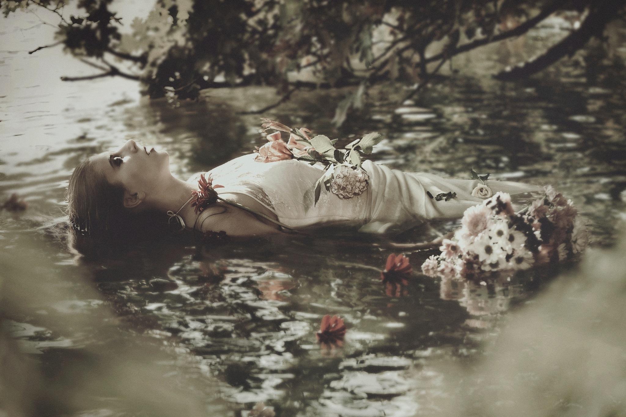 Ophelia by LucyRakayova