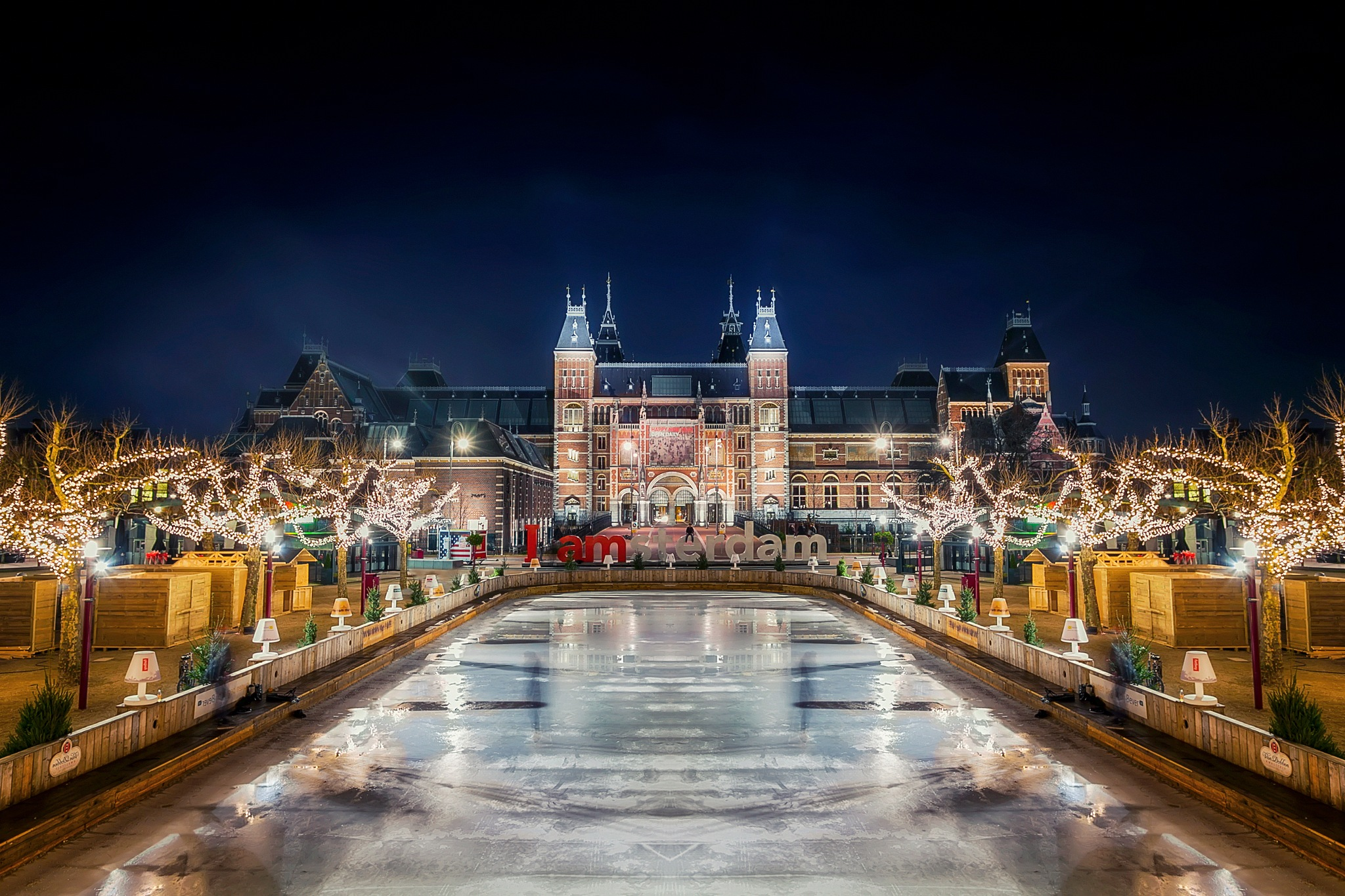 Embrace The Night - 'Museumplein' by Jelle Harberts