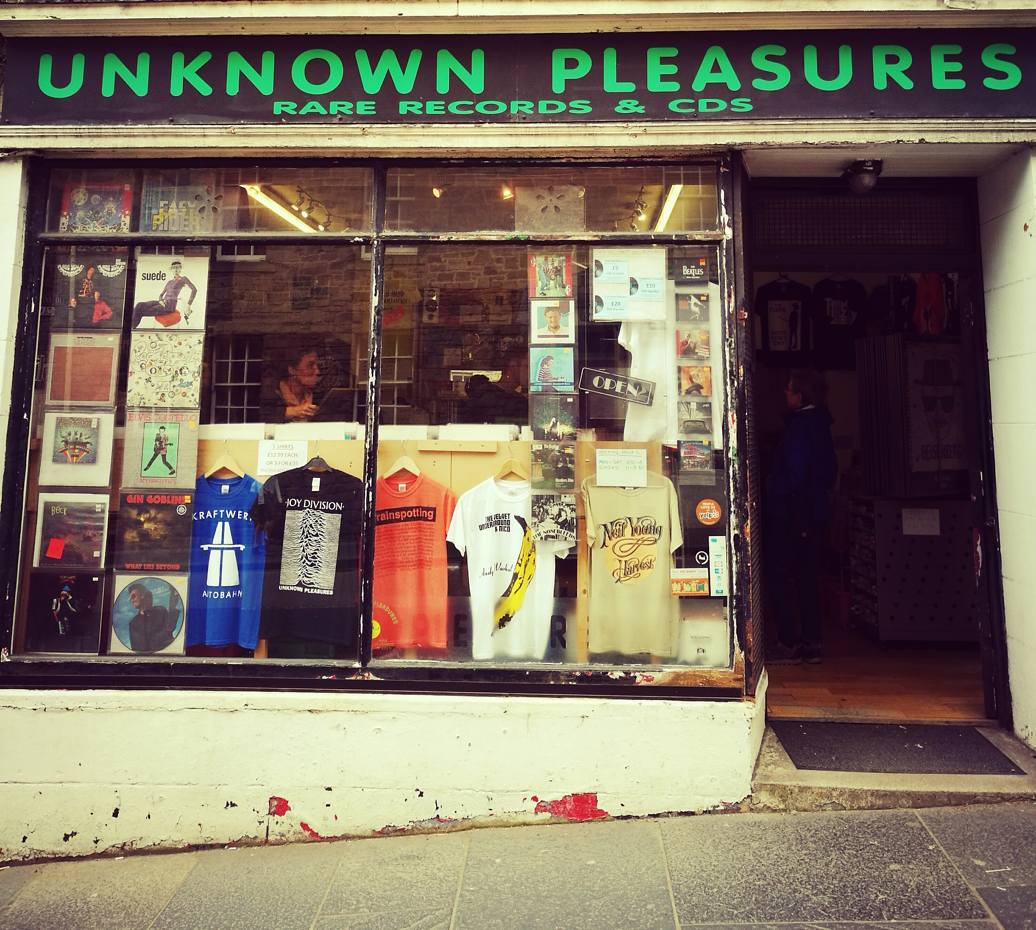 Retro record store, Edinburgh  by robthebruce38