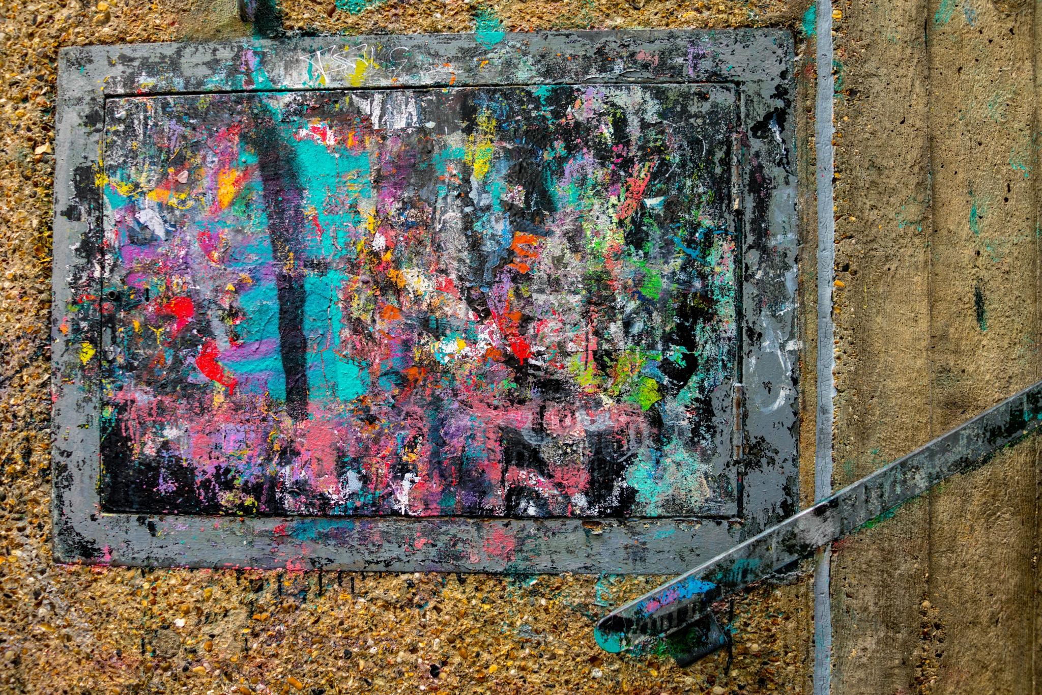 Colour on city concrete. by Simon Ciappara
