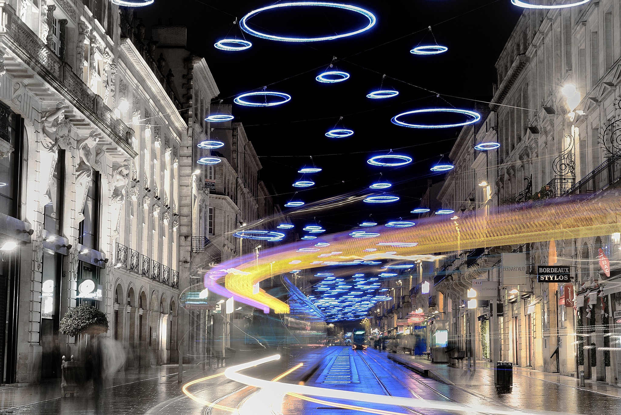 Bordeaux Christmas lights  by gorka