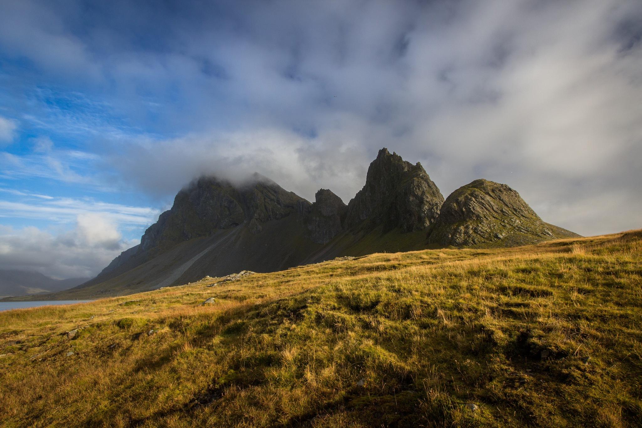 Mountain giants by LukeArts