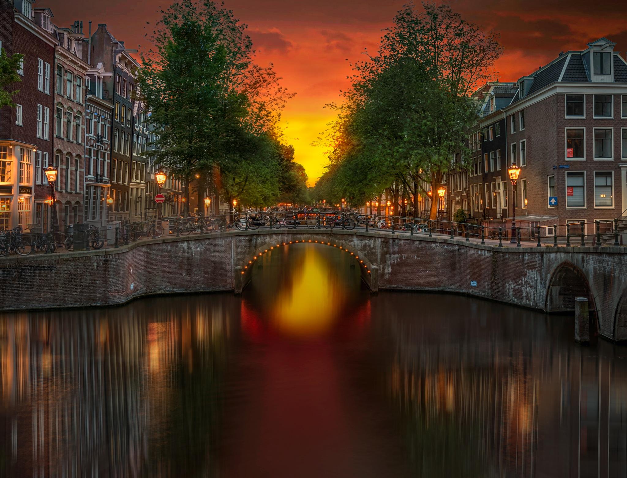 Amsterdam In Twilight by Robert Schmalle