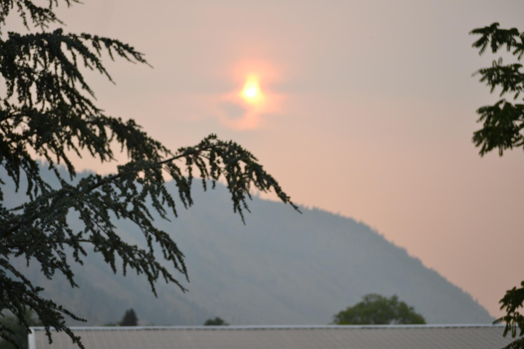 Smoke filled Sunset. by Smitty1960