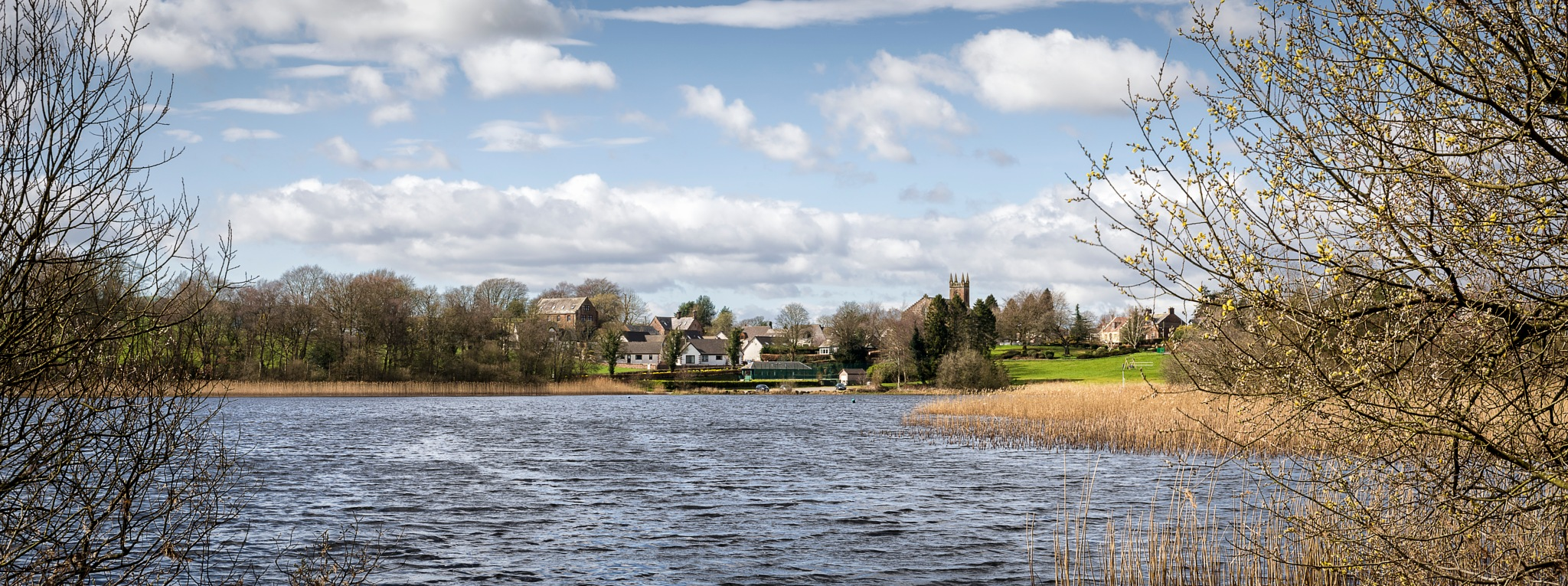Castle Loch - Lochmaben by TrotterFechan