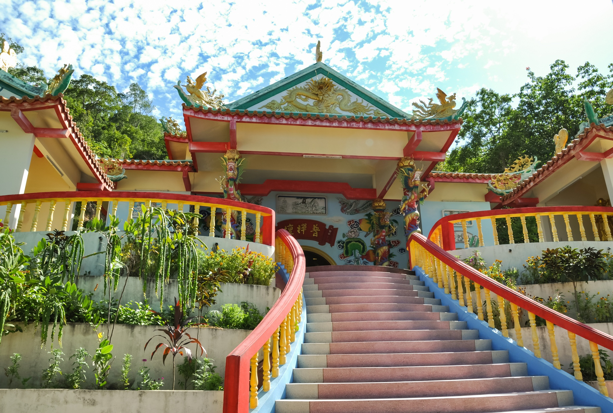 Photo in Random #kohphangan #chinese #temple #colors