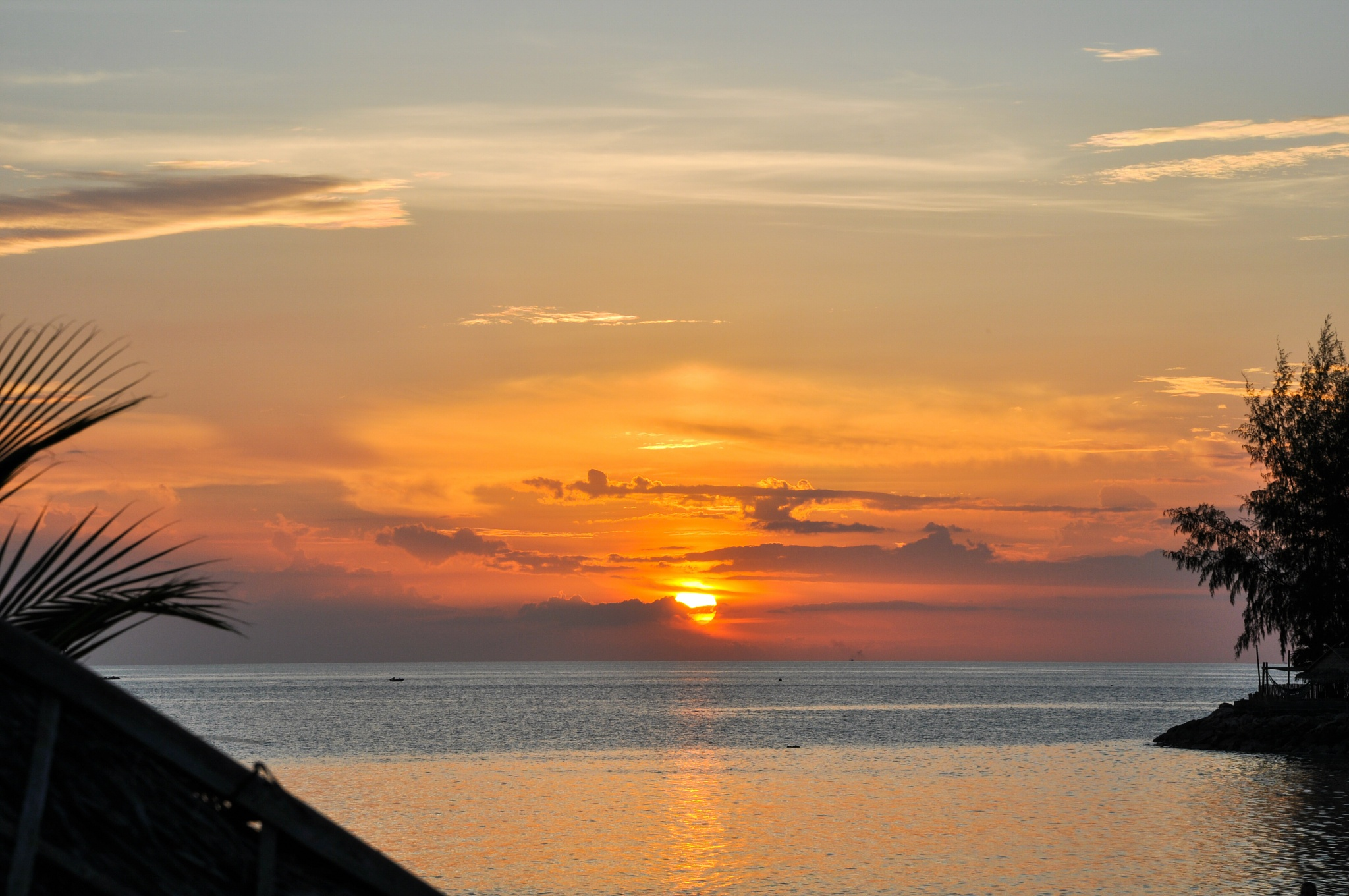 phangan sunset by Tomtom79