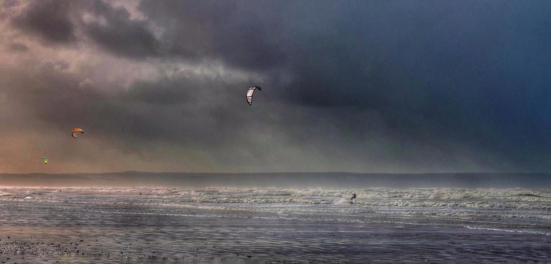 Warmer Surfing South by ricardo1
