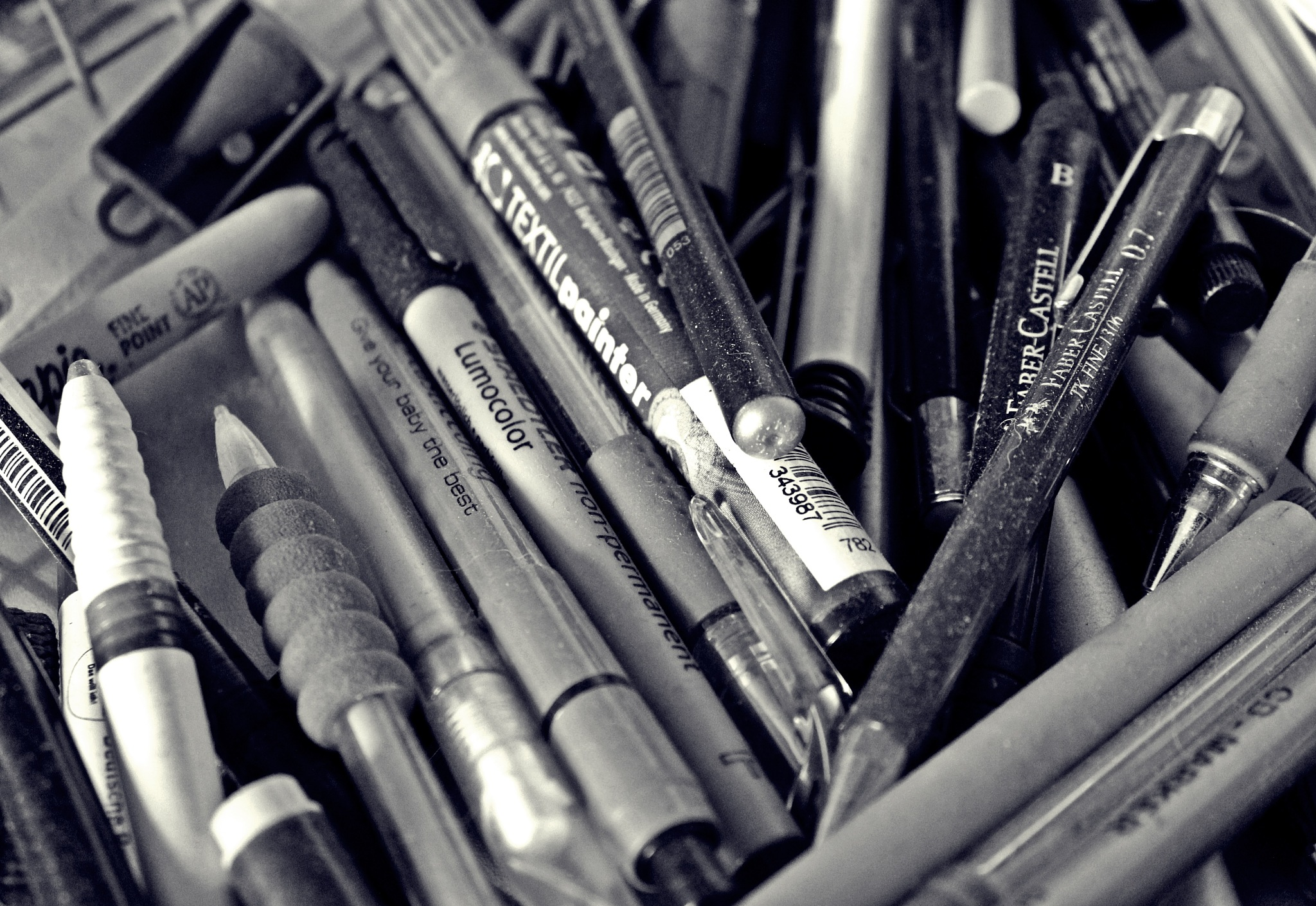 pens that don't work any more by Jane Rue