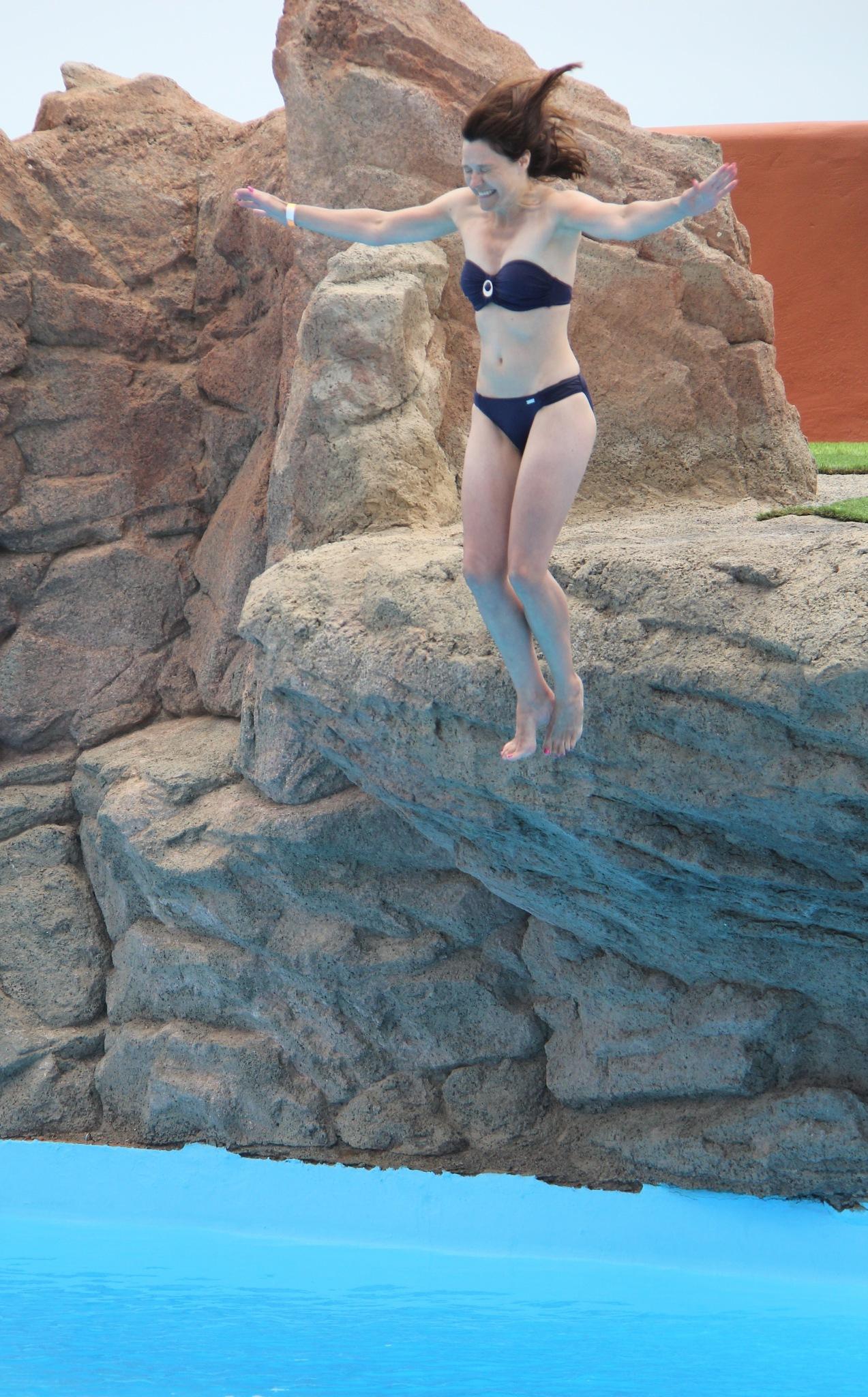 Taking a dip! by Daveschoie