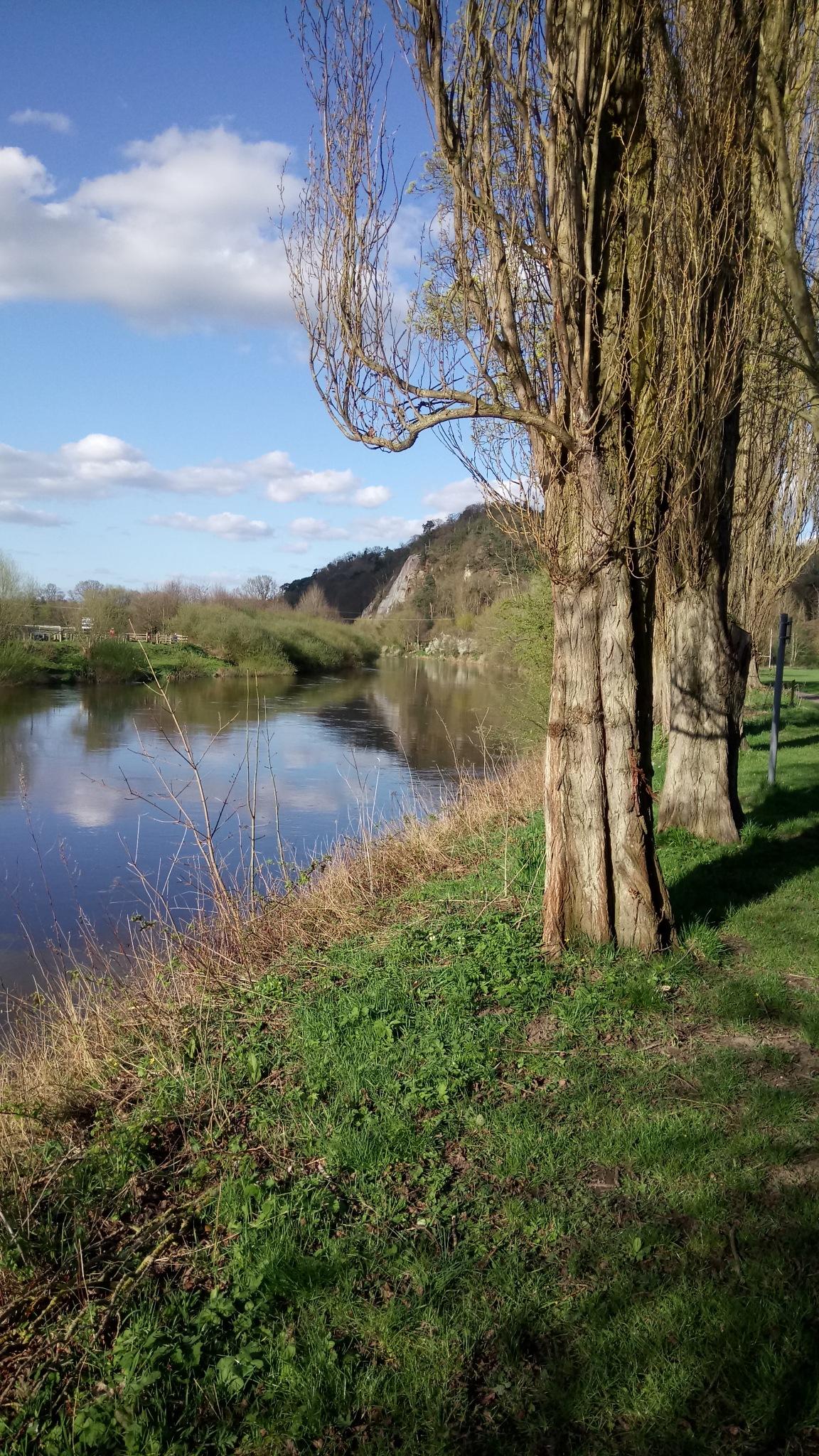 River Severn  by Daveschoie
