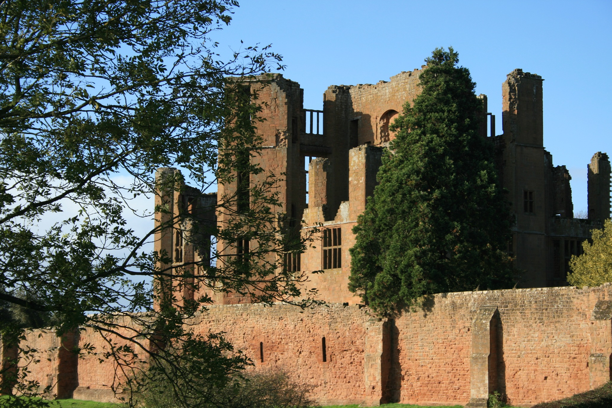 Castle ruins by Daveschoie