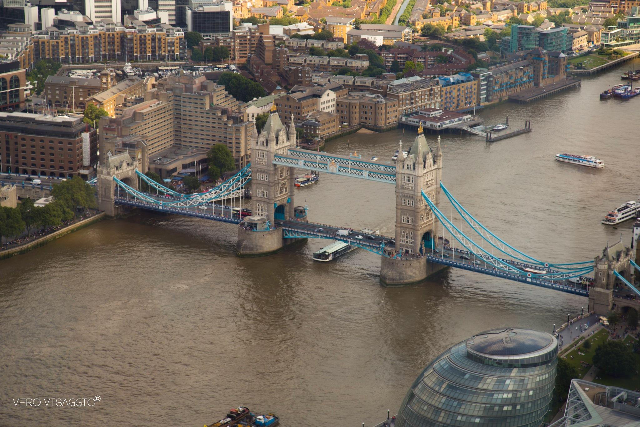Tower Bridge by verovisaggio