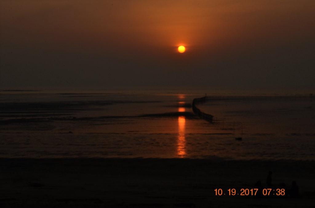 Sunset at Bordi beach,Gujarat,India by Sunil