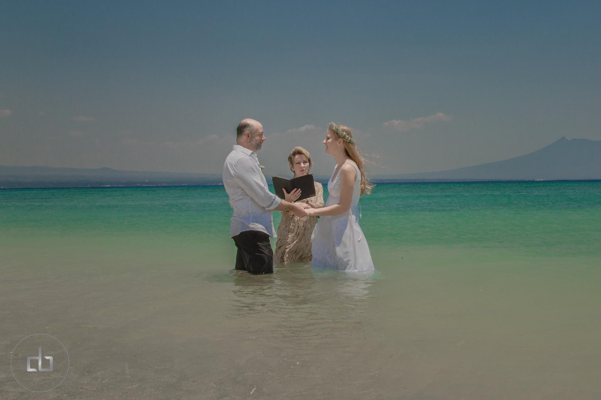 Wedding  on tropical  Beach  .. why Not  ? by Dean Bali Dean