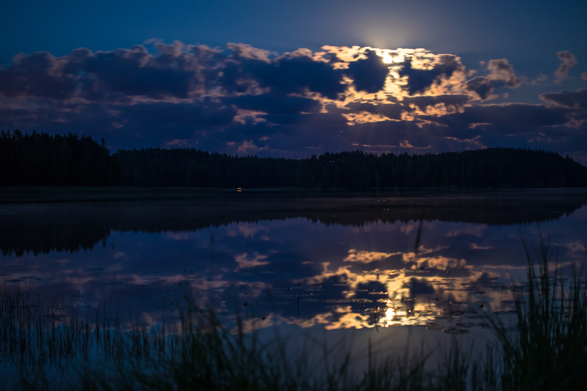 August moonlight  by Anne_V