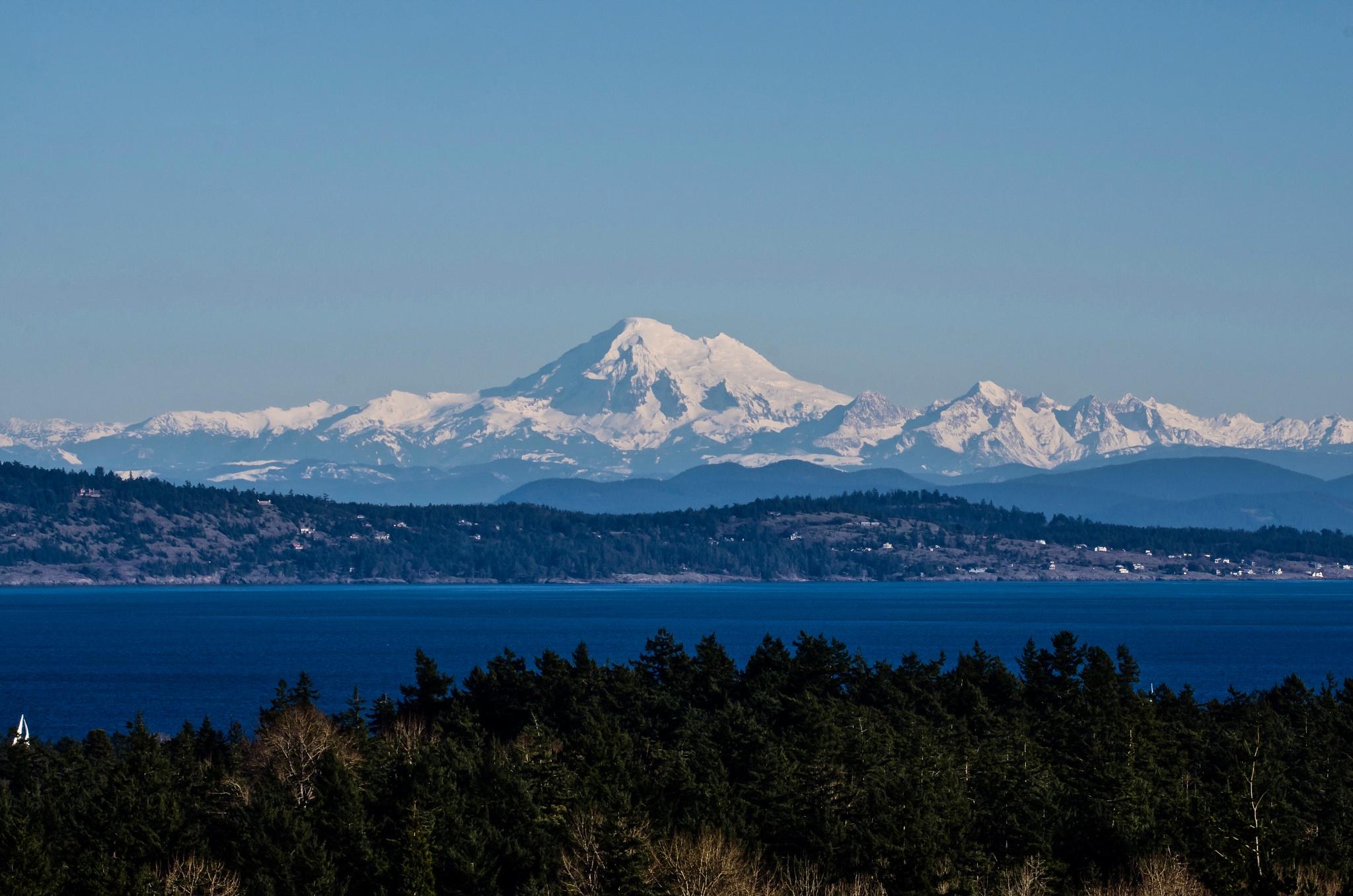 Mount Baker by Robert Stenseth