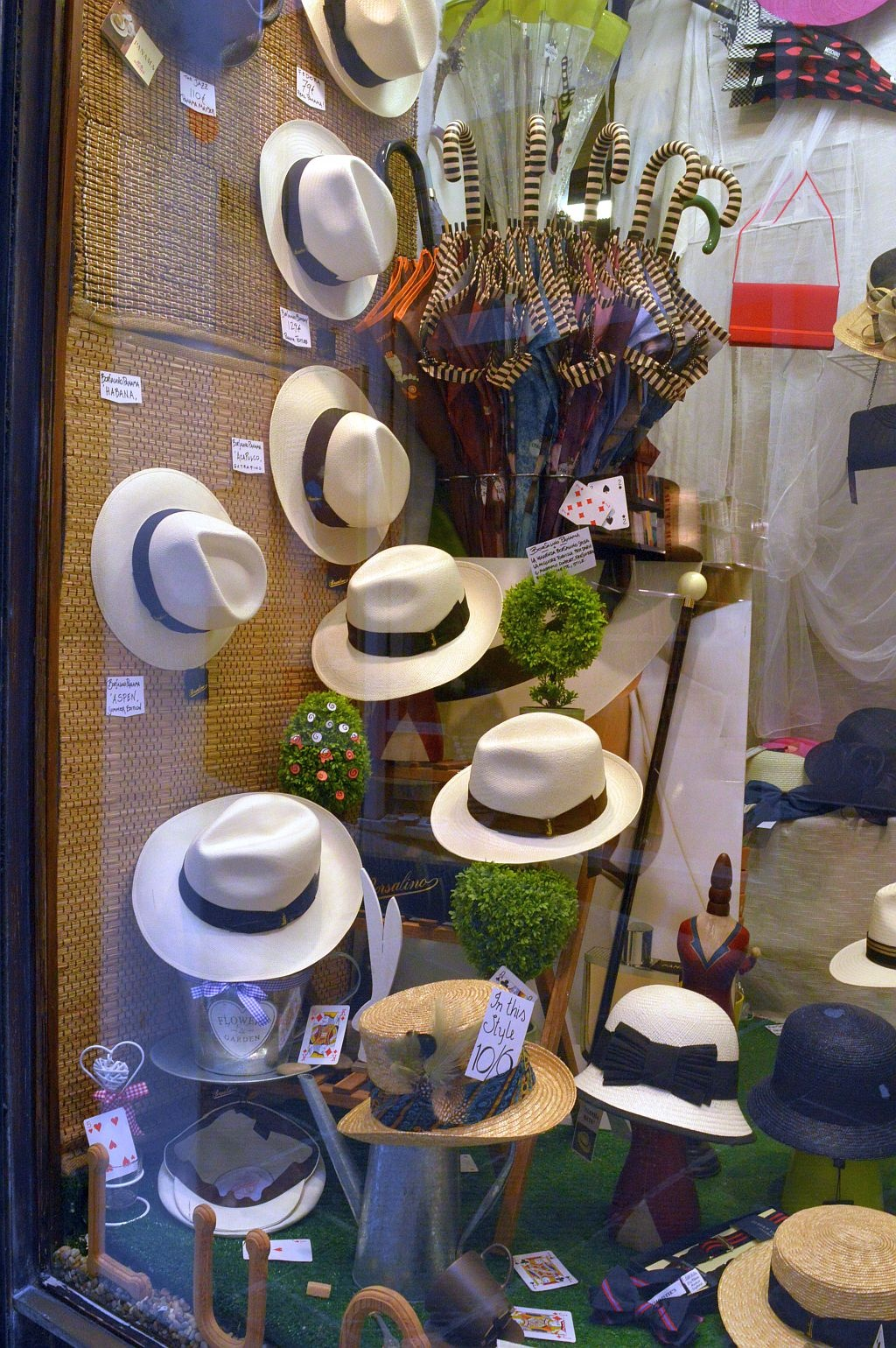 Antique hat shop  by Eliane Muskus
